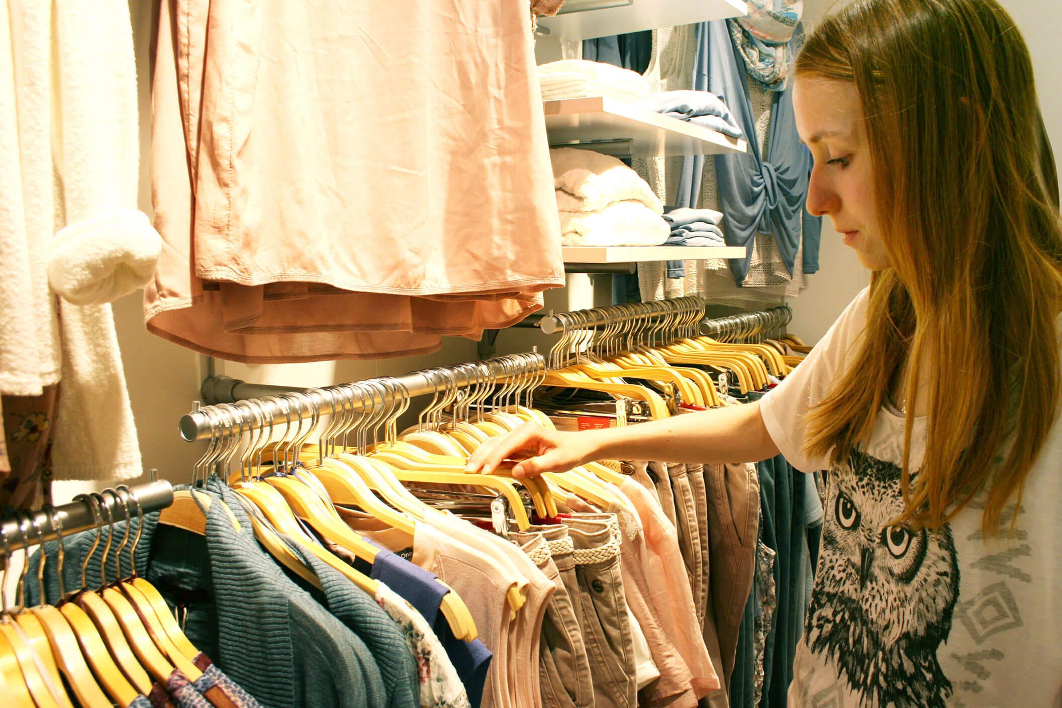 Neue Kleidung shoppen