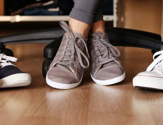 Welche Sneakers kann man im Büro tragen?