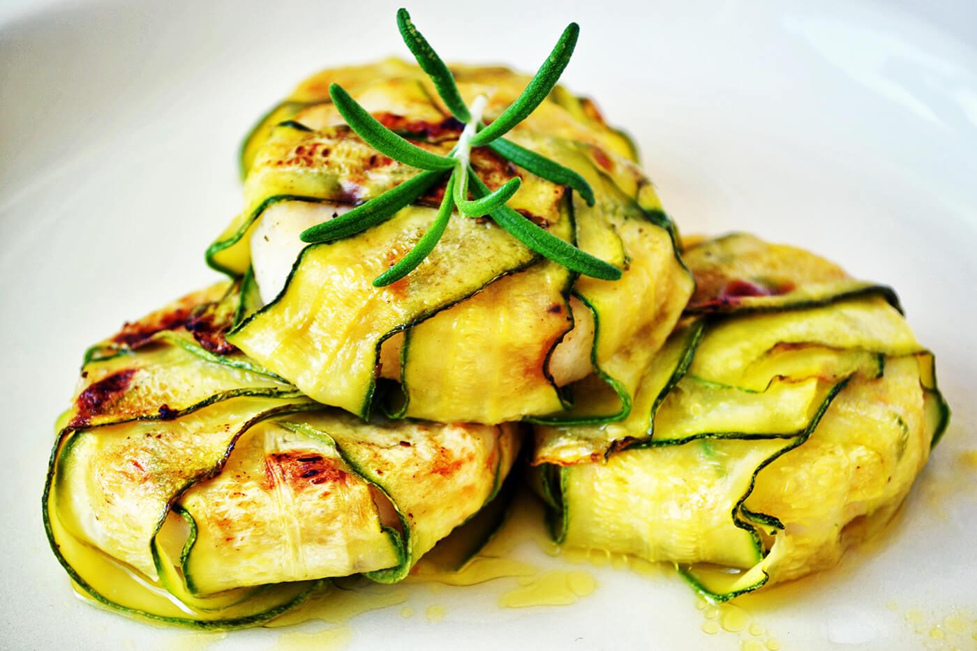 Zucchinipäckchen mit Feta
