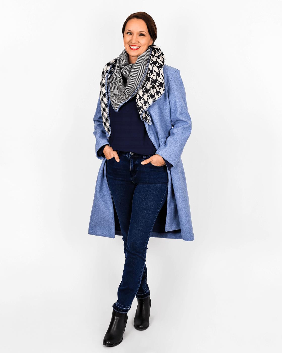 Jeans und Mantel
