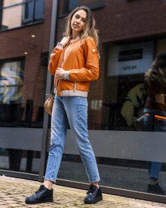 Damen Outfit Lederjacke kombinieren