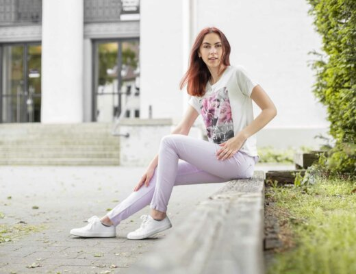 damen-outfit-trendfarbe-flieder